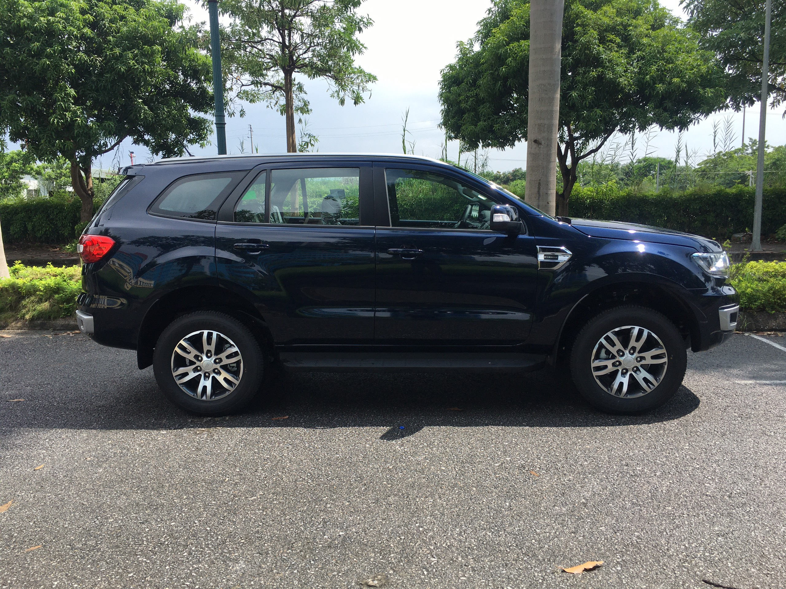 Ford Everest Trend 2.0L 4×2 AT3