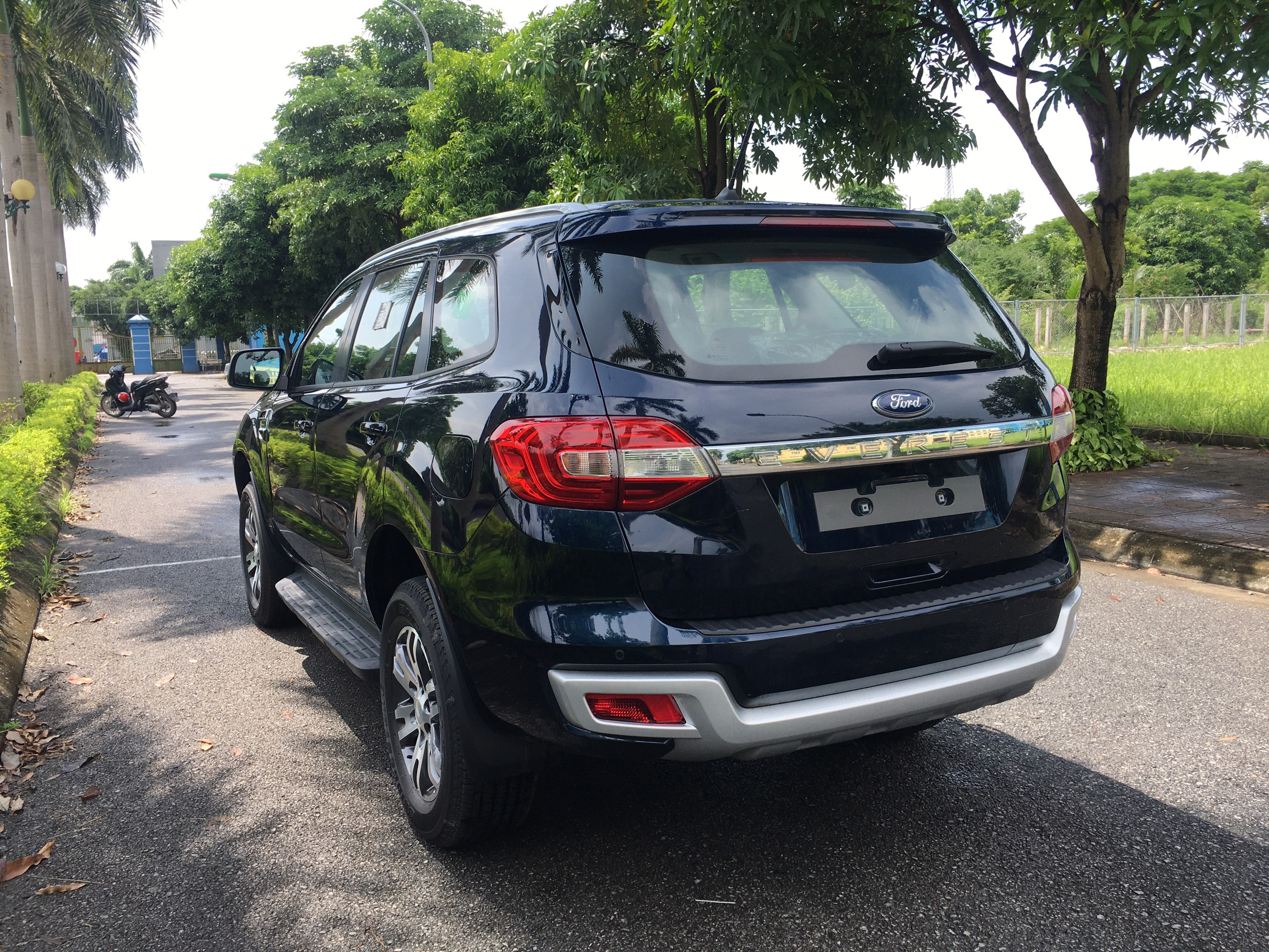Ford Everest Trend 2.0L 4×2 AT4